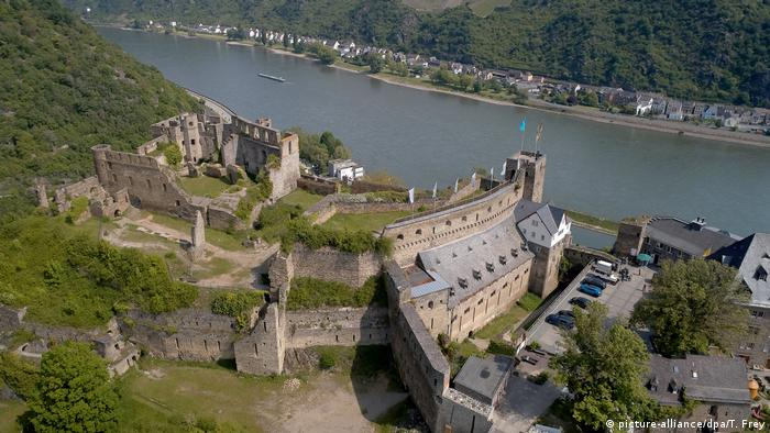 Rheinfels Castle on the banks of the Rhine River