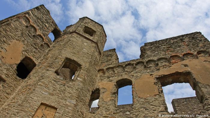 Burg Rheinfels bei St. Goar am Rhein (picture-alliance/dpa/U. Anspach)