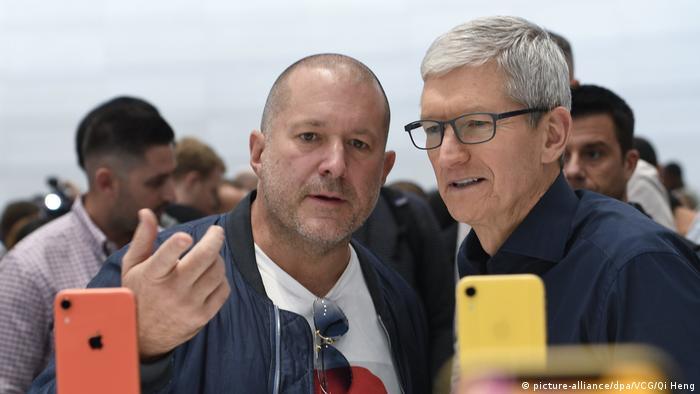 USA Apple-Manager Jonathan Ive Tim Cook