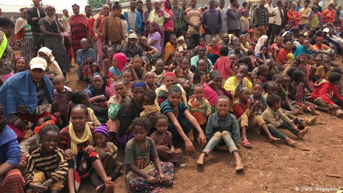 Vertriebene aus der Region Guji in Äthiopien (DW/S. Wegayehu )