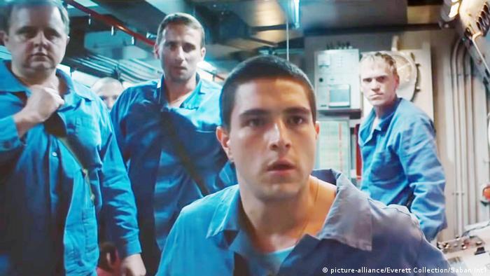 Кадр из фильма Курск