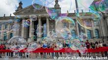 Deutschland Berlin | Protest Fridays For Future vor dem Reichstag