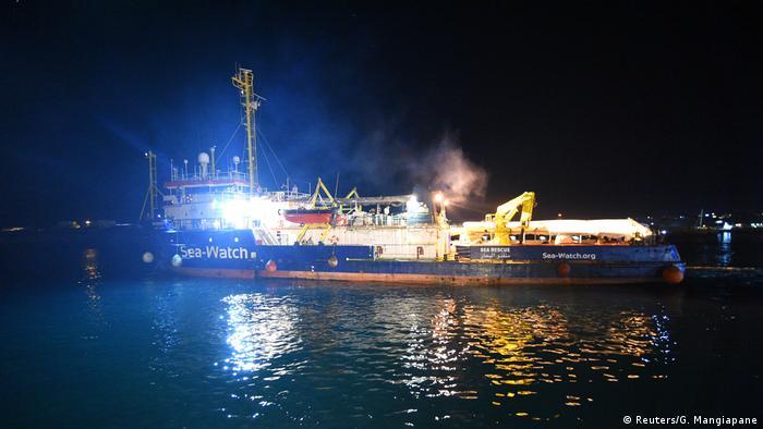 Судно Sea Watch 3 в порту Лампедузи