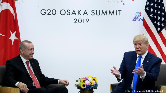 Japan Osaka | G20 Gipfeltreffen - Donald Trump und Recep Tayyip Erdogan (Getty Images/AFP/B. Smialowski )