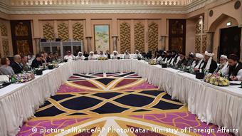 Στιγμιότυπο από παλαιότερο γύρο συνομιλιών στο Κατάρ με τη συμμετοχή Αμερικανών διπλωματών