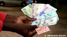 Nigeria Abuja Geldscheine in verschiedenen Währungen