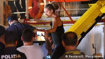 Η Καρόλα Ρακέτε συνελήφθη μετά τον ελλιμενισμό του πλοίου