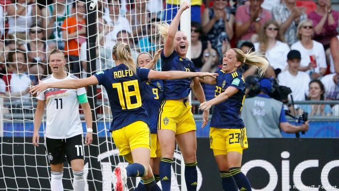FIFA Frauen-WM 2019   Deutschland vs. Schweden   2. TOR Schweden (Reuters/E. Foudrot)
