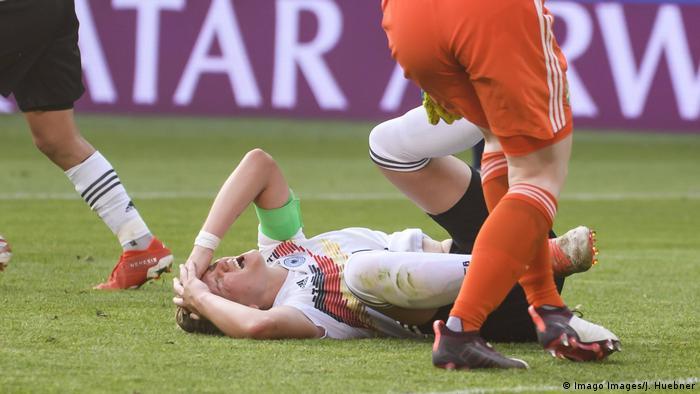 Женская немецкая сборная футболу