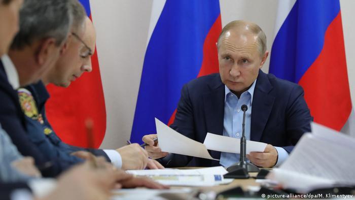 Russland   Hochwasser in Irkutsk Wladimir Putin