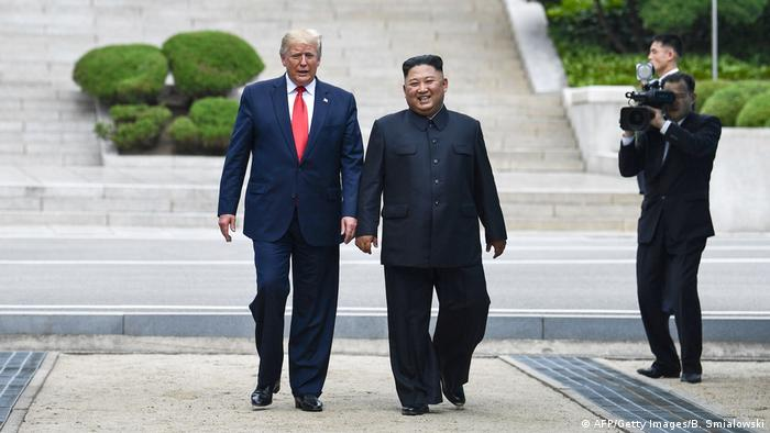 Donald Trump e Kim Jong-un se encontram na Coreia do Norte
