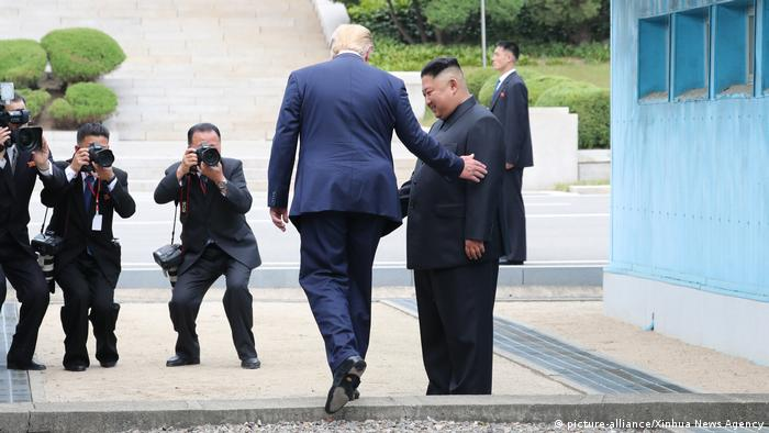USA | Nordkorea | Entmilitarisierte Zone | Donald Trump | Kim Jong Un (picture-alliance/Xinhua News Agency)