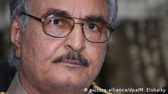 Libyen General Chalifa Haftar (picture-alliance/dpa/M. Elshaiky)