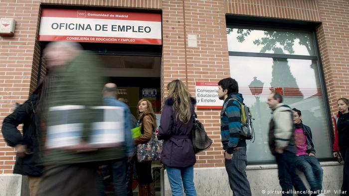 Unemployment (picture-alliance/dpa/EFE/F. Villar)