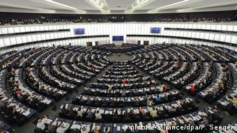 Πράσινοι και Σοσιαλδημοκράτες δεν απειλούν να καταψηφίσουν την Επιτροπή φον ντερ Λάιεν λόγω του επίμαχου τίτλου.