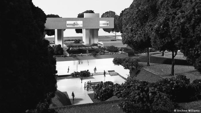 Model of Bauhaus design in Buenos Aires (Archivo Williams)