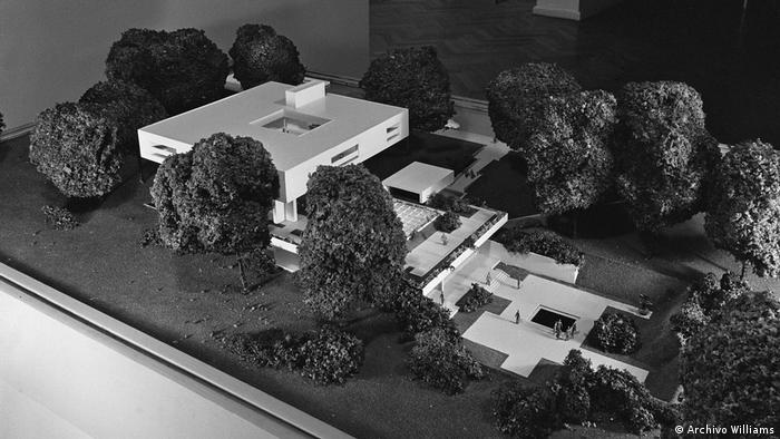 Model of Bauhaus design for German ambassador's residence in Buenos Aires (Archivo Williams)