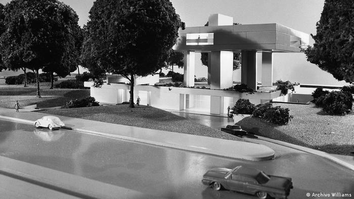 """El arquitecto estrella y su equipo """"The Architects Collaborative"""" (TAC) diseñaron una residencia elevada para el embajador de Alemania en Argentina, a fines de los 60."""