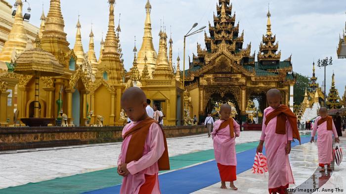 Young Buddhist nuns at pagoda