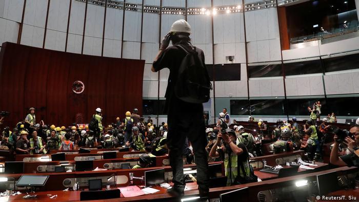 (Reuters/T. Siu)