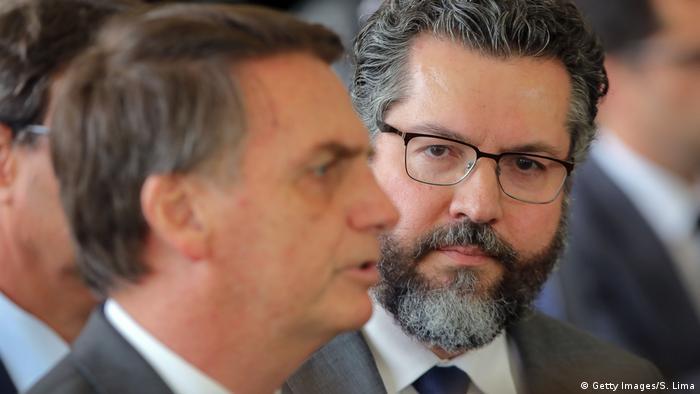 Jair Bolsonaro e Ernesto Araujo