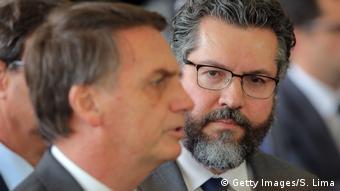 Brasilien Jair Bolsonaro und Ernesto Araujo (Getty Images/S. Lima)