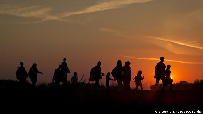 Flüchtlinge Ungarn (picture-alliance/dpa/D. Bandic)