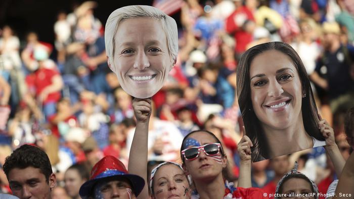 Frauenfussball Wm Begeisterte Zuschauer In Den Usa Sport