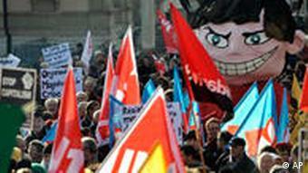 Demonstration gegen die WTO während der Ministerkonferenz 2009 in Genf (Foto: AP)