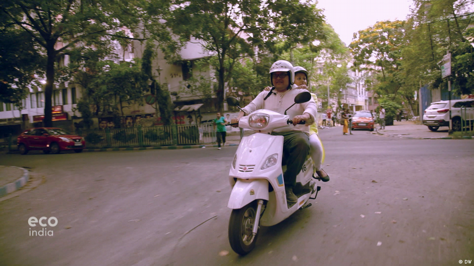 Electric scooters in Kolkata | Eco India | DW | 04 07 2019