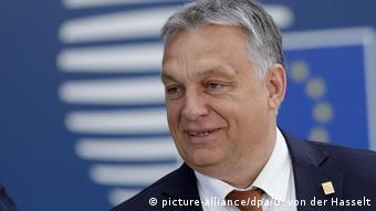Υποθετική ερώτηση η απομάκρυνση ευρωβουλευτών του Βίκτορ Όρμπαν από το ΕΛΚ, λέει η Ούρσουλα φον ντερ Λάιεν
