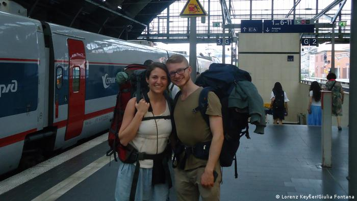 Lorenz Keysser und Giulia Fontana set of on their no-fly trip to Australia from Berlin