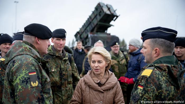 Ursula fon der Lajen sa pripadnicima Bundesvera