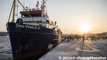 Lampedusa Hafen Sea Watch 3 Anlandung Bootsflüchtlinge