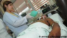 Bolivien 2009   Patienit mit Dengue-Fieber in Santa Cruzu