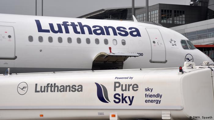 Lufthansa Airbus plane using biofuel