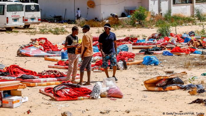 Libyen Tripolis nach dem Luftangriff auf das Tajoura Detention Center (Getty Images/AFP/M. Turkia)