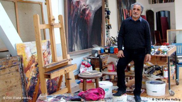 Flash - Galerie Akbar Behkalam in seinem Atelier