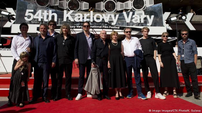 Weltpremiere auf dem Roten Teppich in Karlovy Vary: Regisseur Gerster und sein Team