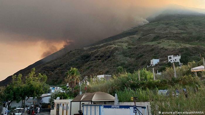 Внаслідок виверження вулкана загинула одна людина