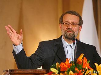 علی لاریجانی به هیئت آلمانی قول داده است که در جهت آزادی دو خبرنگار آلمانی کمک کند.