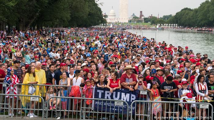 Натовп в центрі Вашингтона