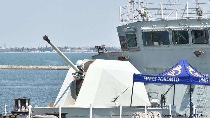 Канадський фрегат Торонто в Одесі під час навчань Sea Breeze у 2019 році