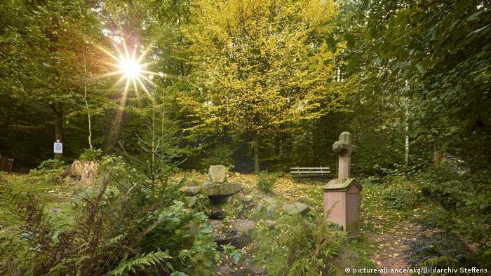 Siegfried's Fountain in Grasellenbach (picture-alliance/akg/Bildarchiv Steffens)