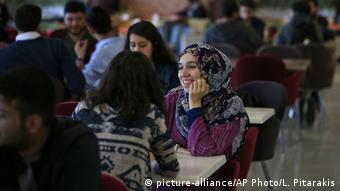 Türkei Istanbul | Stundenten in der Mensa der Fatih Universität