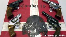 Archivbild | Kiel | Sichergestellte Waffen und ein Schild der kriminellen Neonazi-Gruppe «Combat 18»