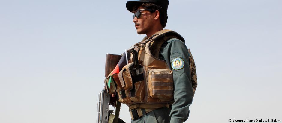Afghanistan Sicherheitskräfte in Kandahar (picture-alliance/Xinhua/S. Seiam)