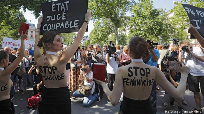 Femen activists protest growing femicide in France