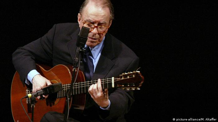 Joao Gilberto, Brazil′s father of bossa nova, dies at 88 | News | DW