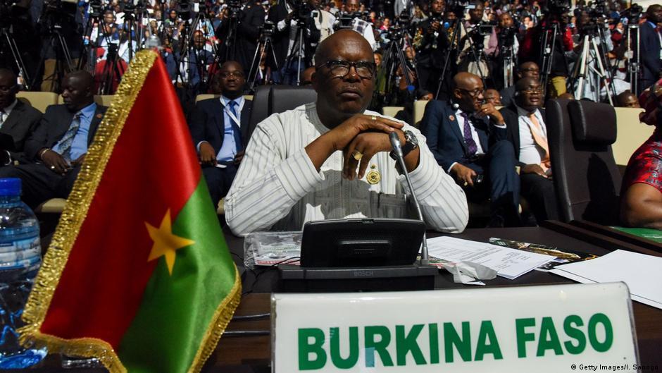 Burkina : l'armée recrute pour lutter contre les djihadistes